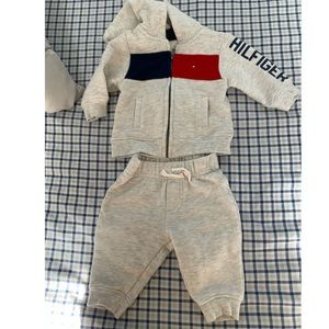 Tommy Hilfiger sweat and hoodie set